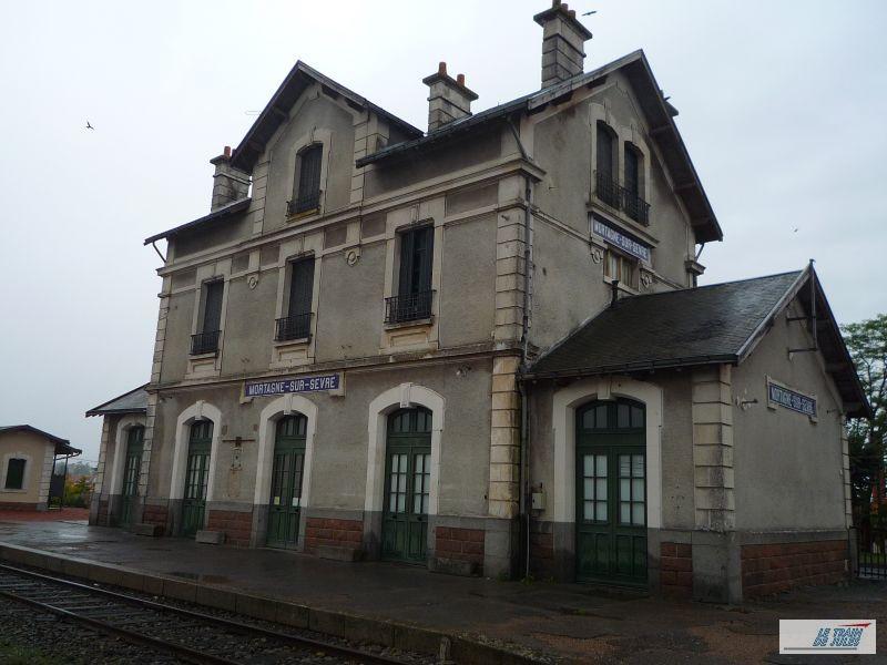 La Gare de Mortagne sur sèvre.