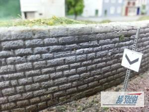 Un mur de pierre HO en dépron