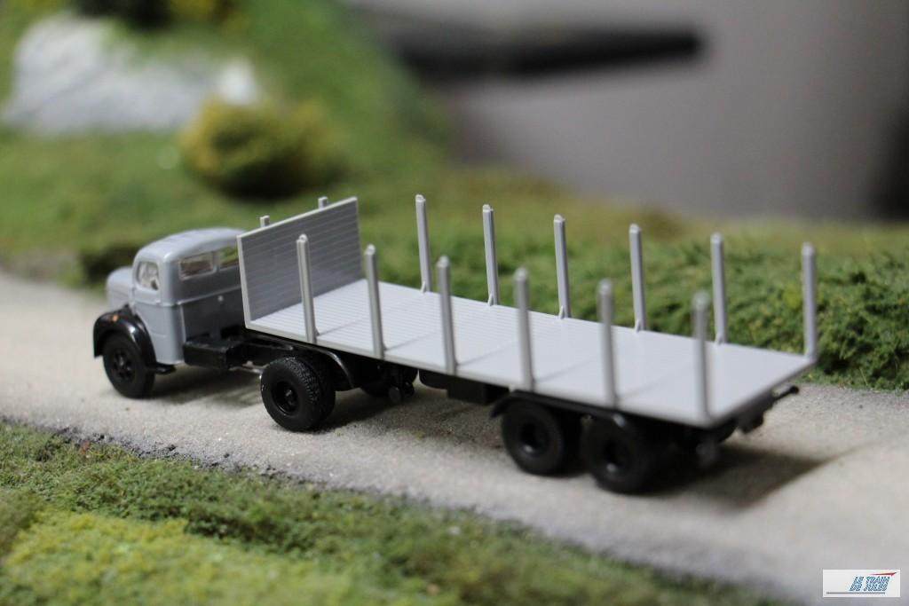 Berliet transport de grumes Brekina.
