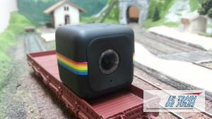 Polaroïd Cube caméra HD sur son wagon