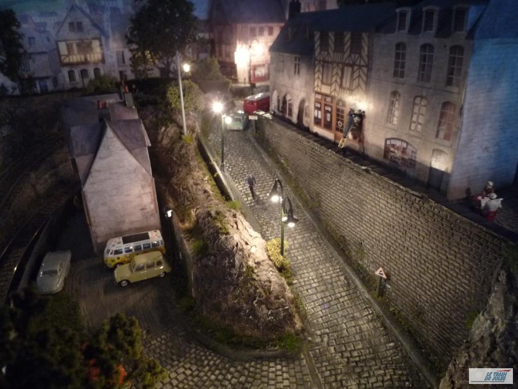 La rue pavée de Kerville by night !