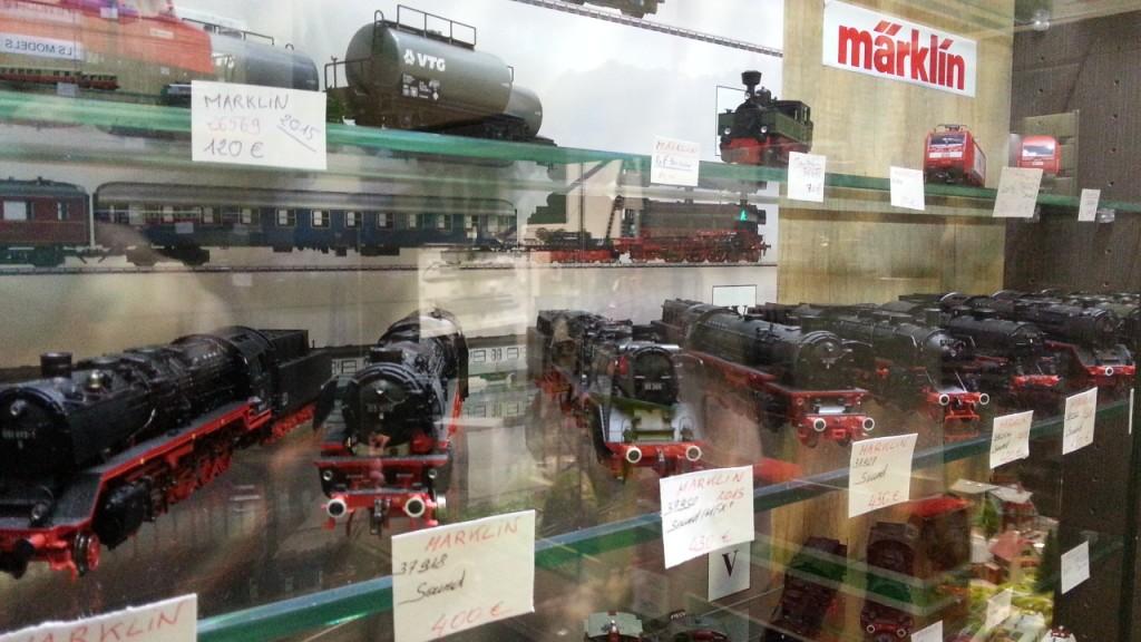 Au pullman, loco vapeur Marklin