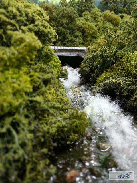 Rivière en résine en Ho