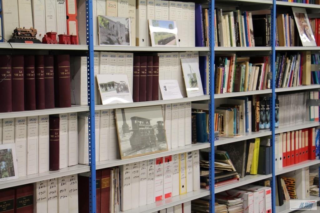 Belle collection d'ouvrages consacrés au train