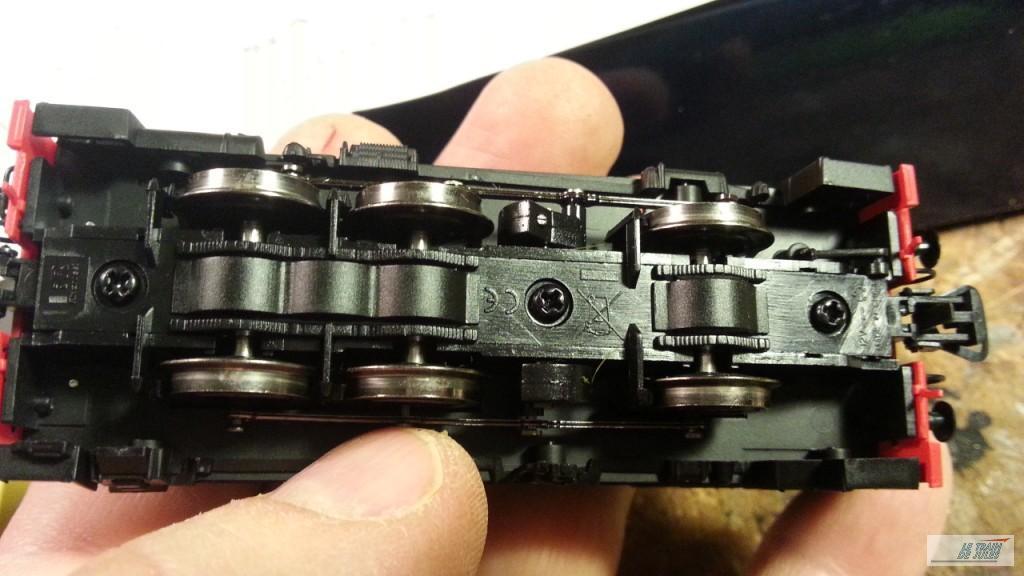 locotracteur 030 db 6 Electrotren le dessous.