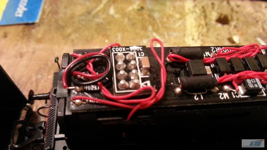 Broche 8 plots pour le décodeur.