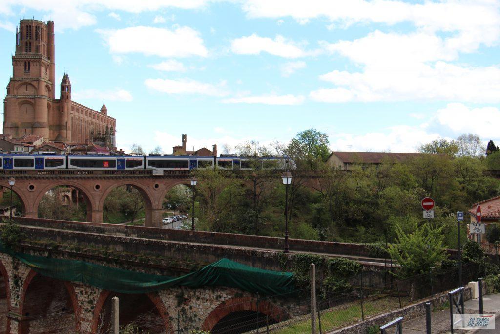 Rame Alstom sur le viaduc ferroviaire d'Albi