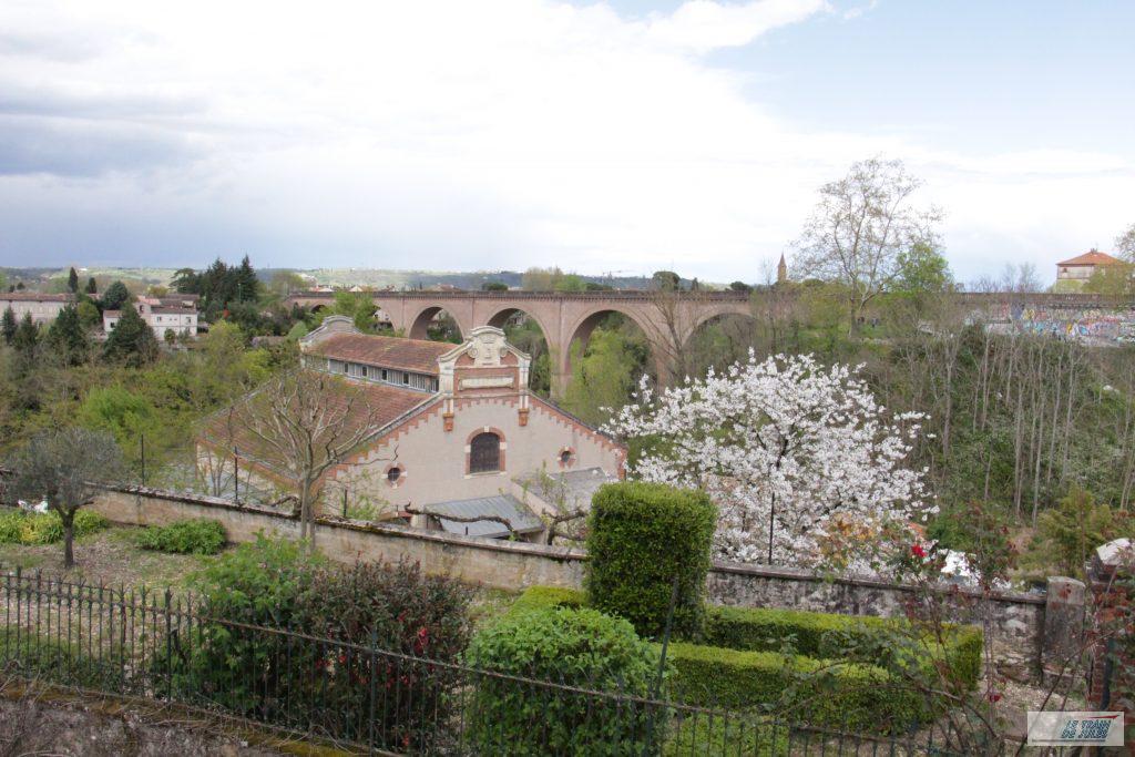 ter-train-viaduc-ferroviaire-Albi-cathedrale (173)