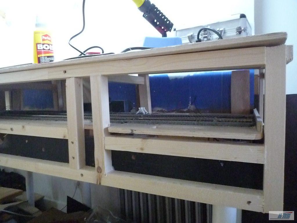 Structure tasseaux pour la façade réseau