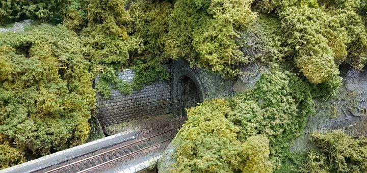 sortie gauche du tunnel