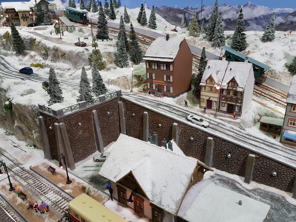TEE 91 la montagne sous la neige.